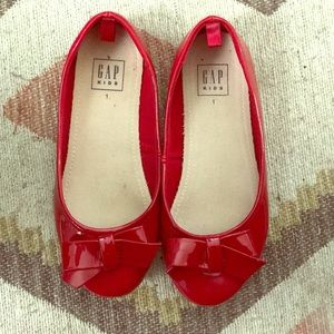 Red patent leather shoes